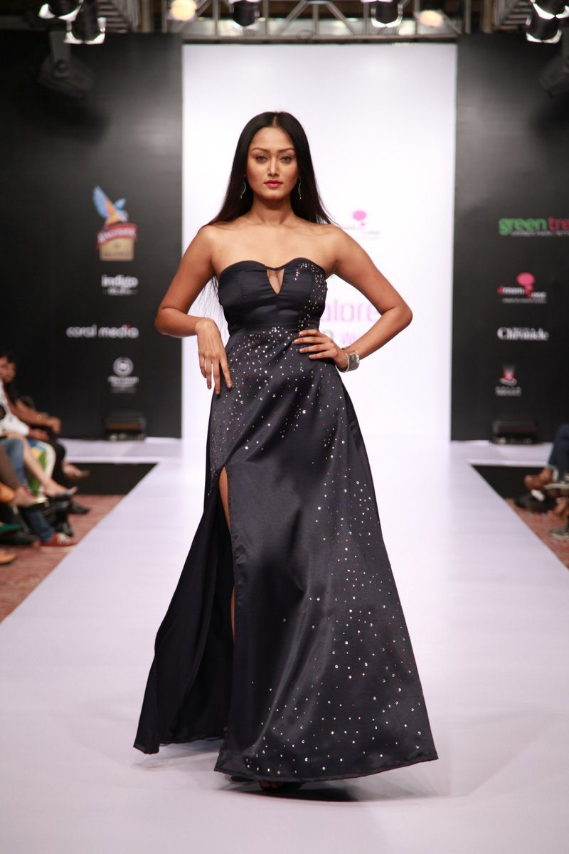 Bangalore fashion week 2014 photos mugdha godse walks for aslam khan on day 3 bollywood garam Bangalore fashion style week