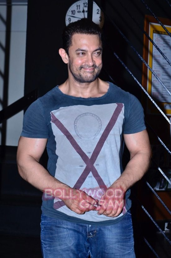 Aamir at prithvi theatre-3