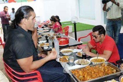 WWE-Kali-breakfast-at-Big-Boss-4-house with salmaan khan