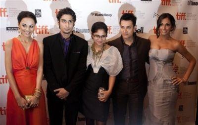 Kiran Rao, Kriti Malhorta, Prateik , Amir Khan, Monica Dogra