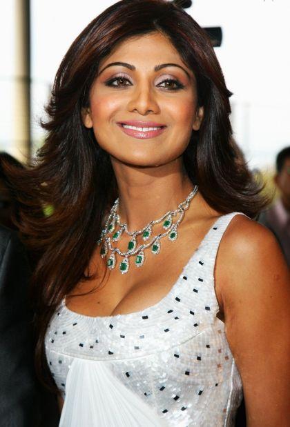 Shilpa Shetty pregnant with hubby Raj Kundra's child
