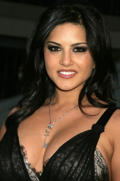 Sunny Leone Enters Bigg Boss 5  Exclusive Photos Of The Stunning Actress-2076