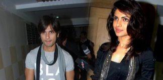 Shahid Kapoor saves Priyanka Chopra from falling off the stage