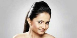 Gia Manek replaced by new actress for breach of contract