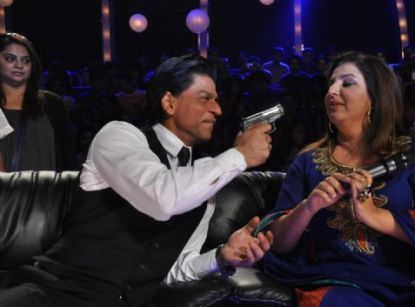 Shah Rukh Khan and Farah Khan at the finale of Just Dance at Filmcity, Mumbai