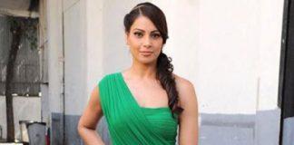 Bipasha Basu hospitalized due to viral fever