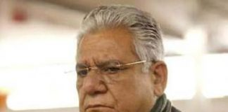Om Puri discharged from hospital after typhoid treatment