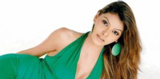 Sherlyn Chopra Bare Photos Trending on Twitter?