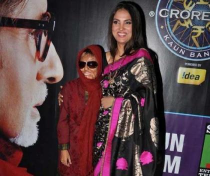 Acid attack victim Sonali Mukherjee on KBC with Lara Dutta