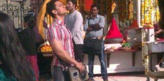 Aamir Khan demands vintage radio device for Peekay