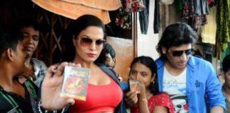 Veena Malik promotes movie by distributing condoms