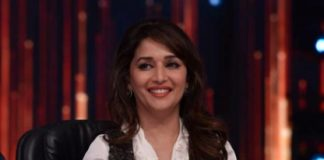 Madhuri Dixit shoots intimate scenes for 'Dedh Ishqiya' with ease