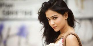 Humaima Malik set to make her Bollywood debut