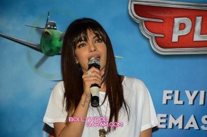Priyanka Chopra Planes-1