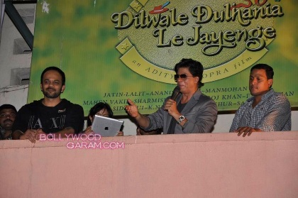 SRK at Maratha Mandir-1