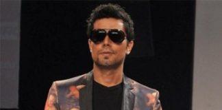 Lakme Fashion Week 2013: Randeep Hooda walks the runway for Rajat Tangri