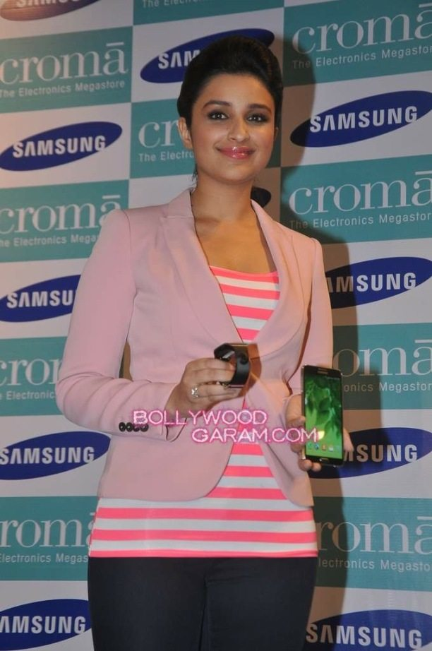Parinneti Chopra Samsung Note 3 launch