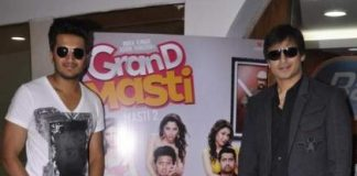Grand Masti stars meet winners of Radio City and Book My Show contest