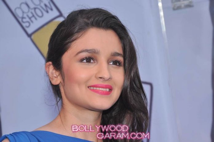 Alia Bhatt Maybelline-3