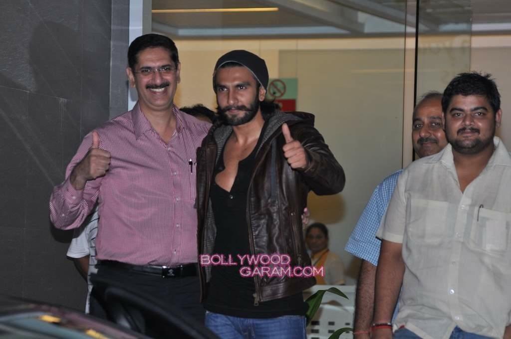 Ranveer Singh out of hospital-2
