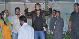 Ranveer Singh leaves hospital on October 3, 2013