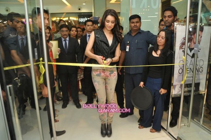 Shraddha Kapoor Forever 21 store launch-2