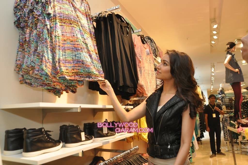 Shraddha Kapoor Forever 21 store launch-4