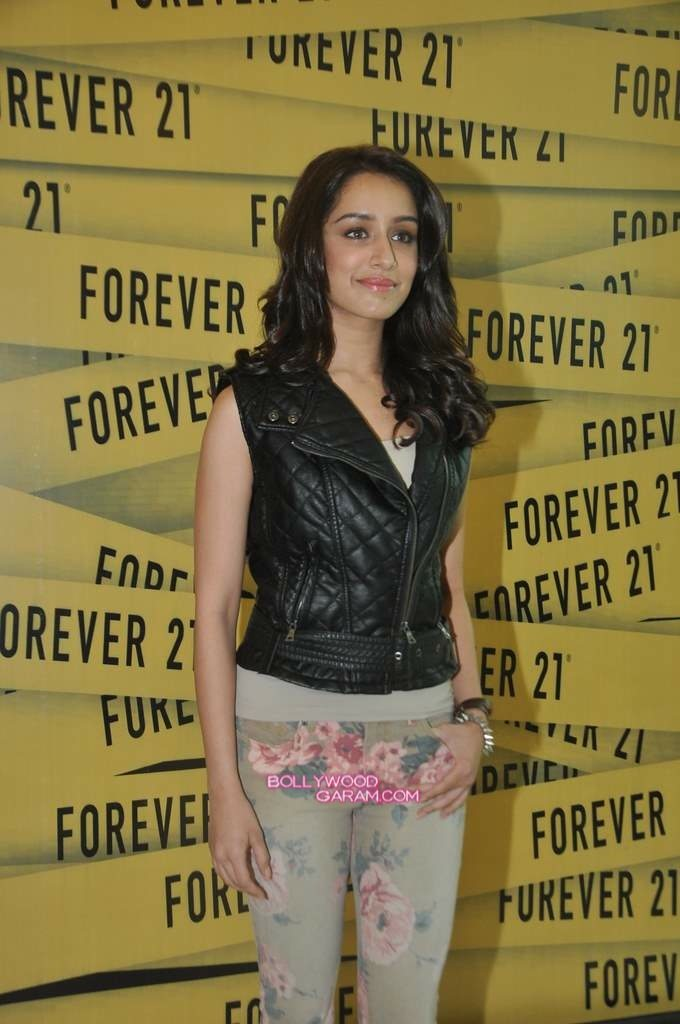 Shraddha Kapoor Forever 21 store launch-6