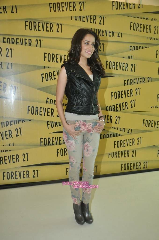 Shraddha Kapoor Forever 21 store launch-7