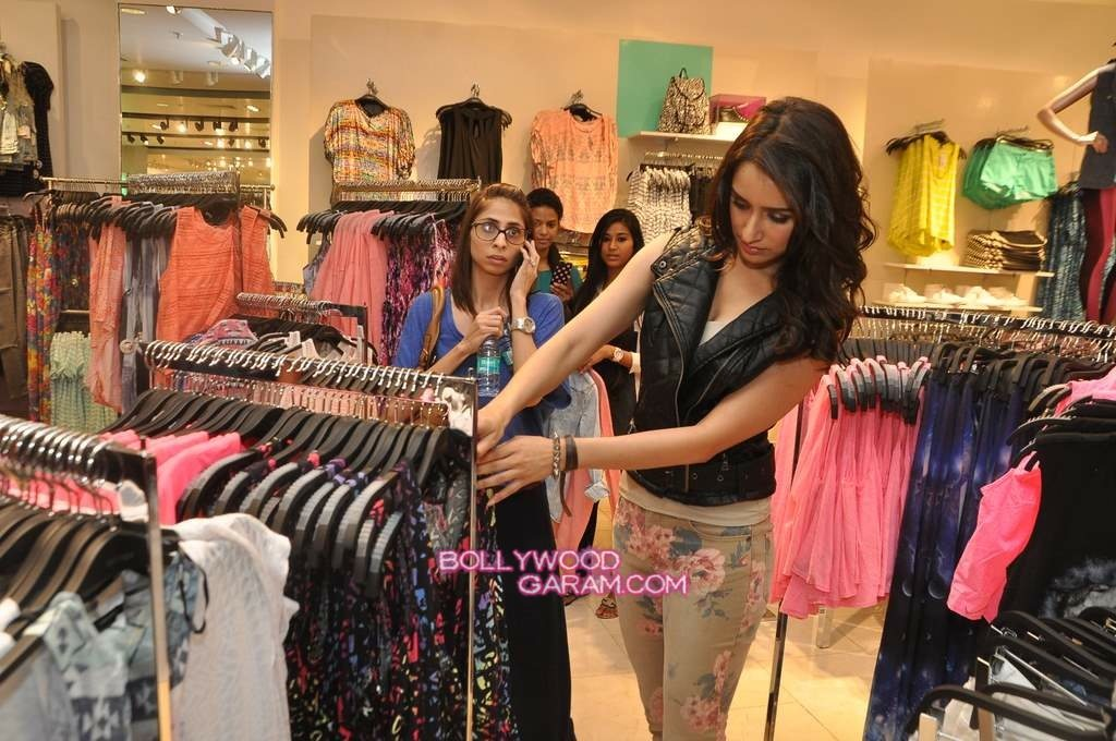 Shraddha Kapoor Forever 21 store launch-9