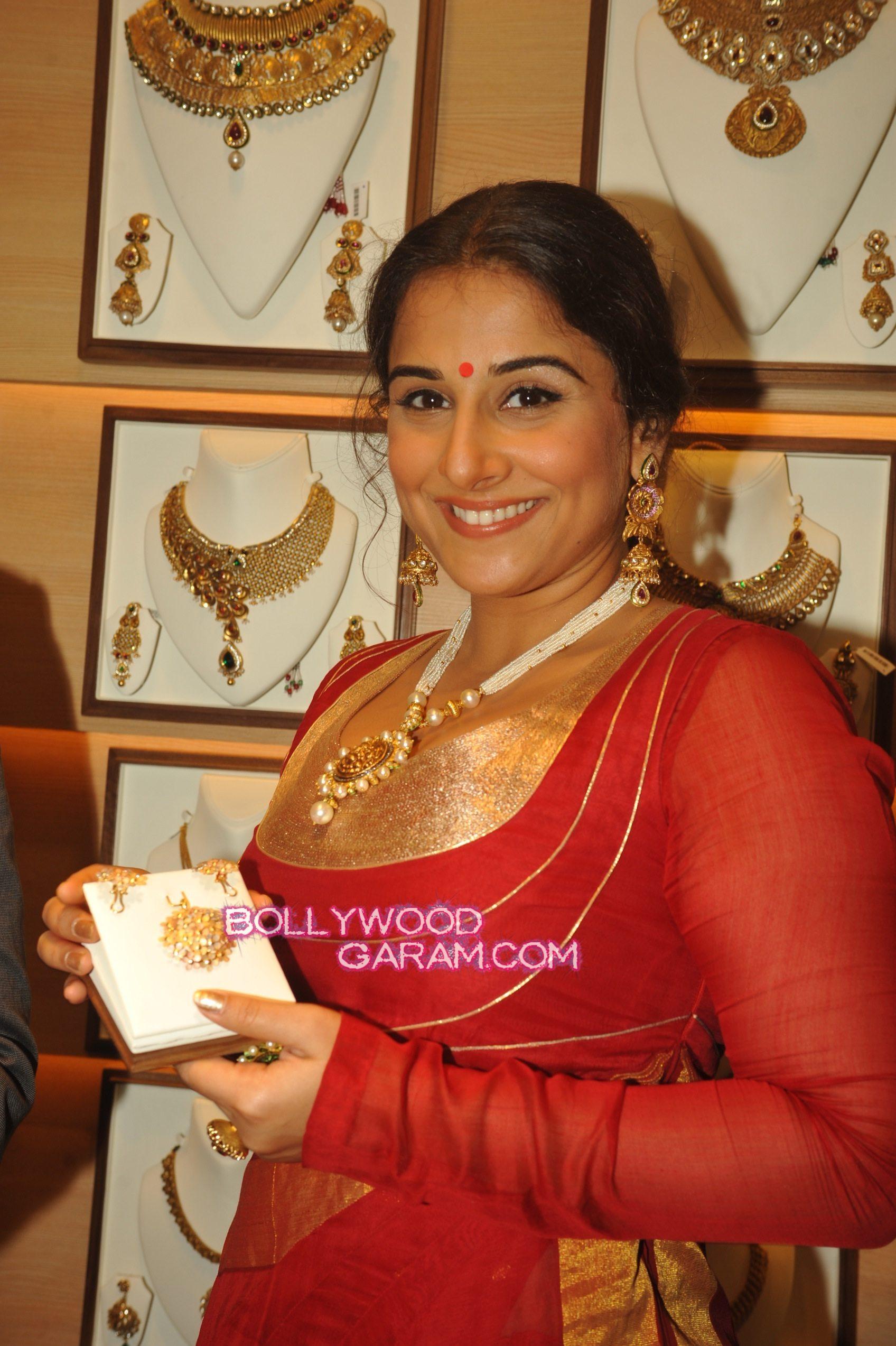 Vidya Balan jewelry launch