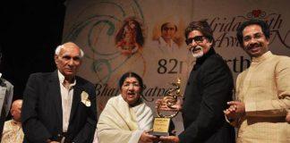 Amitabh Bachchan honoured at Pandit Hridaynath Mangeshkar Awards
