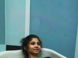 Ratan Rajput soaked in cow dung on Bigg Boss 7