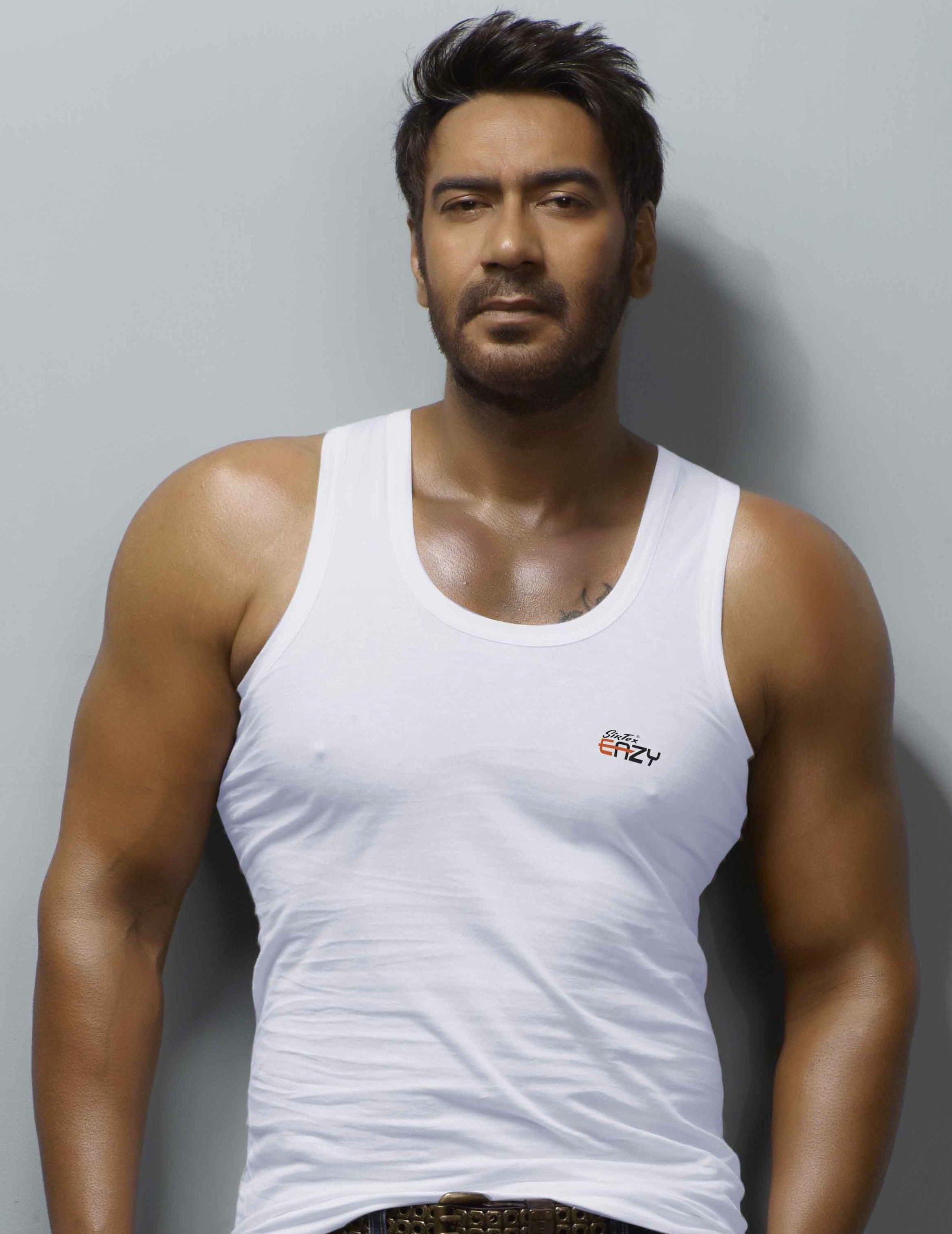 00002-Ajay Devgn Shoots For Sirtex Eazy