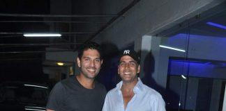 Akshay Kumar and Yuvraj Singh attend screening of Bhaji in Problem