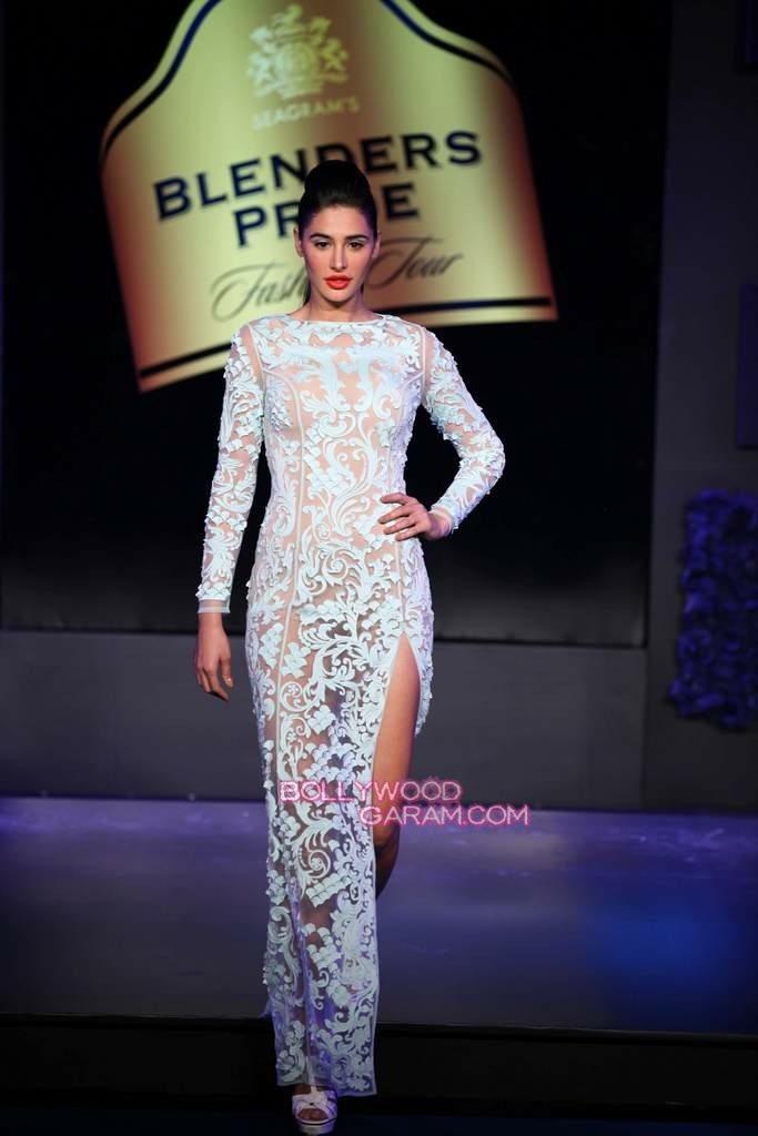 Nargis Fakhri Blenders PRide 2013-4
