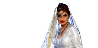Alisa Kkhan to appear opposite Emraan Hashmi in Aaina