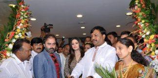 Chhabra 555 store in Chakan inaugurated by Zareen Khan