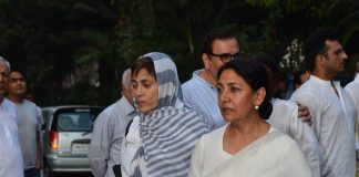 Farooq Sheikh's funeral attended by Bollywood stars
