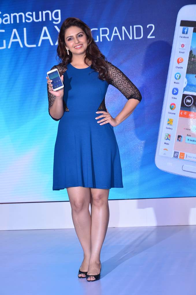 Huma qureshi galaxy grand 2 (2)
