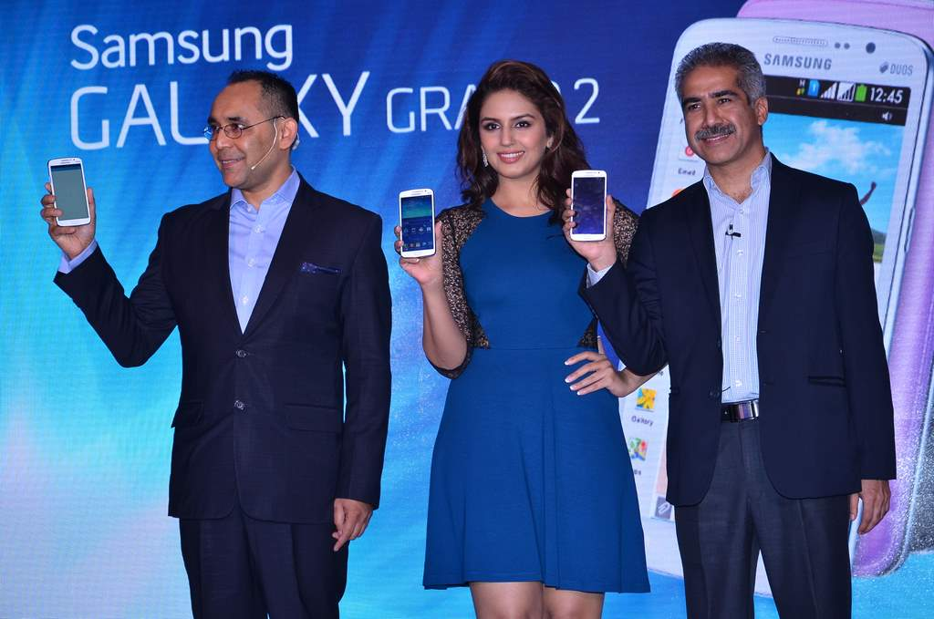 Huma qureshi galaxy grand 2 (4)