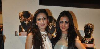 Mugdha Godse and Sonal Chauhan at Amit Agarwal's preview event – Photos