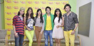 Himansh Kohli, Rakul Preet, Divya Kumar promote Yaariyan at Radio Mirchi 98.3 FM