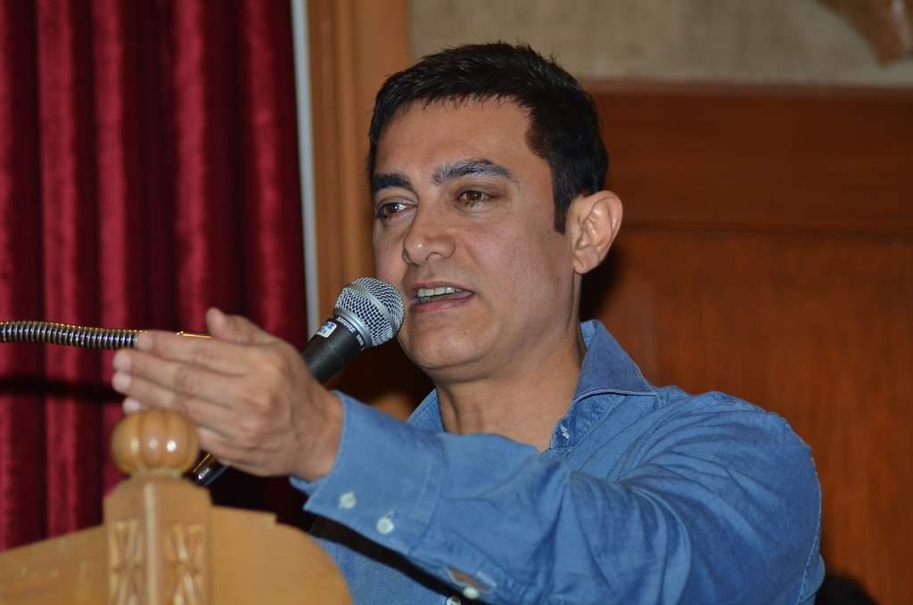 Aamir Khan at Traffic press conference (2)