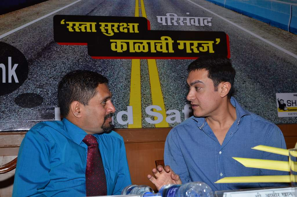Aamir at traffic press conference (1)