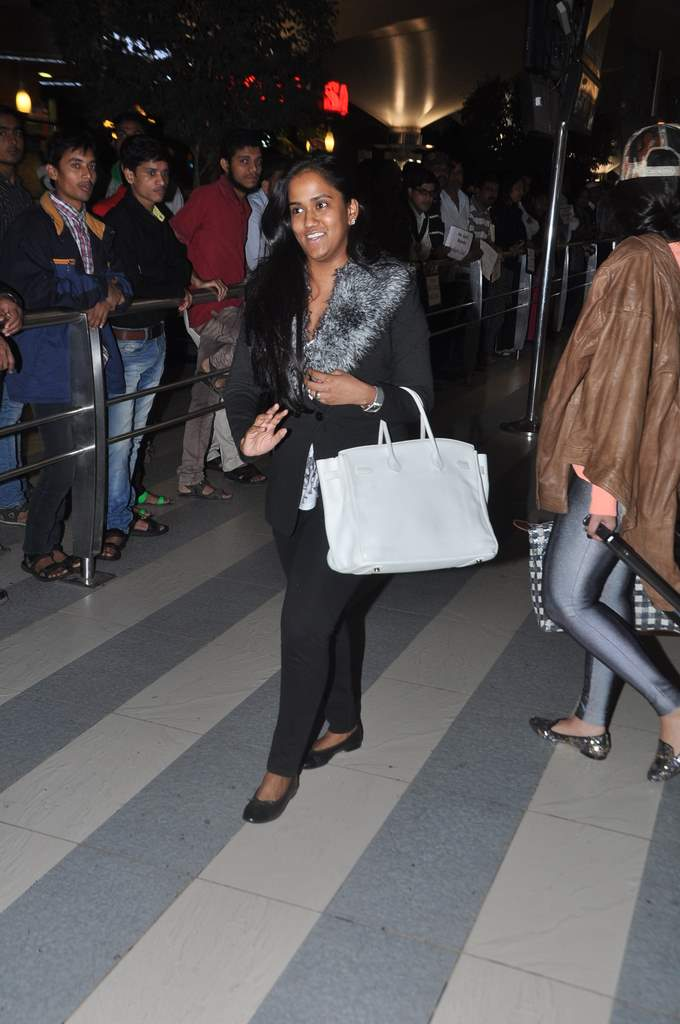 Aarpita and Jacqueline at airport (1)