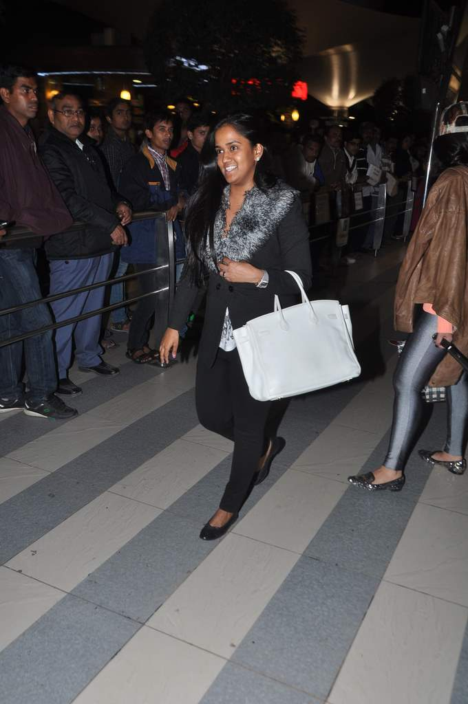 Aarpita-and-Jacqueline-at-airport-2