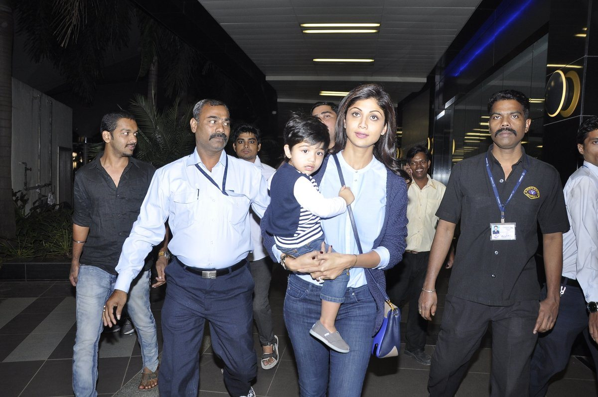 Aishwarya and Abhishek (5)