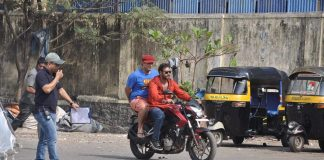 Ajay Devgn, Sonu Sood snapped while shooting for Action Jackson, Photos