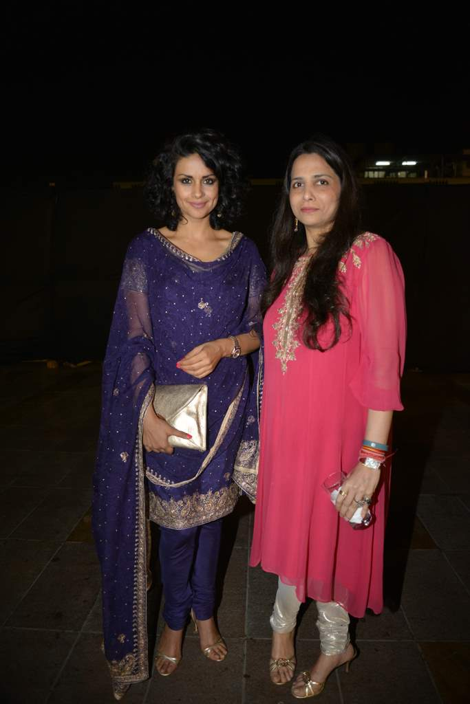Celebrities at lohri bash (5)